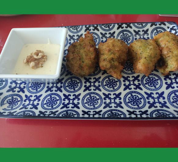 Buñuelos de brócoli y gorgonzola con Thermomix®
