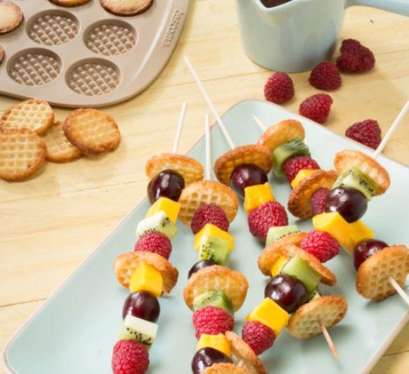 Brochetas de frutas con minigofres crujientes con Thermomix® desde Majadahonda Madrid