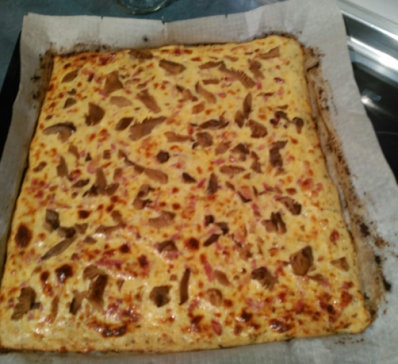 Pizza Carbonara con base de Coliflor