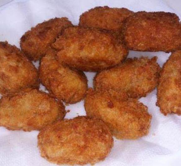 Croquetas de salmón y queso azul: cocina de aprovechamiento